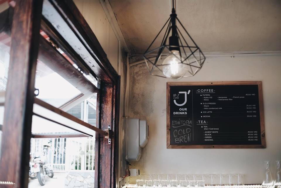 Mùa nào thì Đà Lạt cũng không thiếu những quán cà phê xinh xắn để bạn tha hồ lê la cả ngày không chán - Ảnh 7.