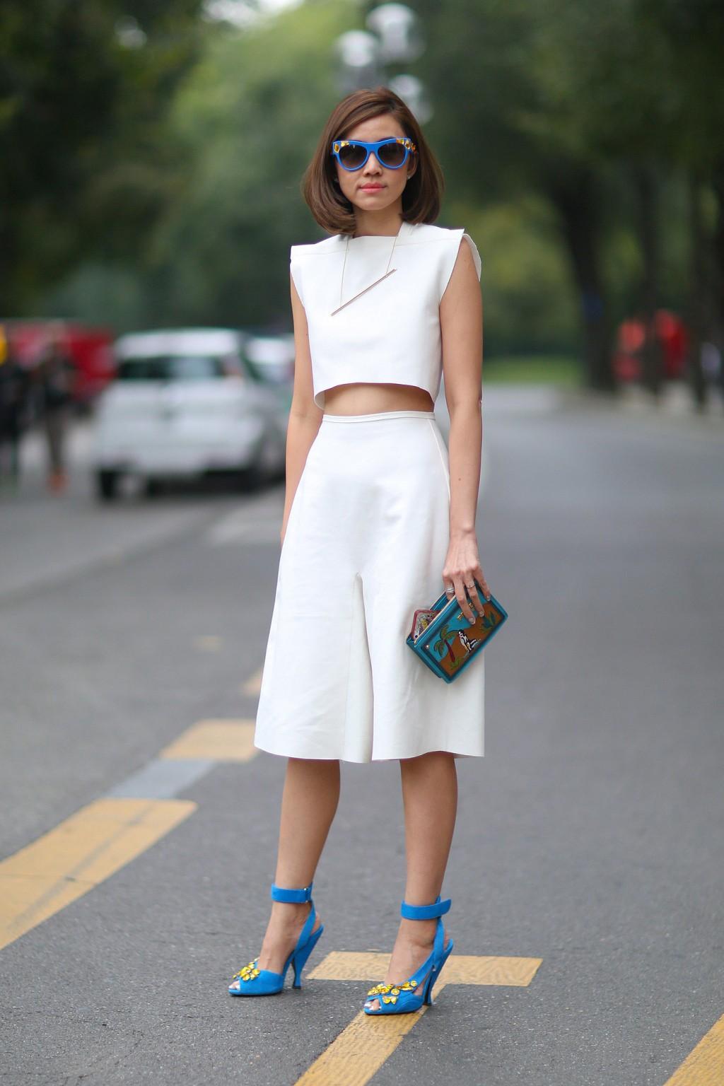 6 Cách mặc đẹp với quần lửng ống rộng elle Vietnam 04