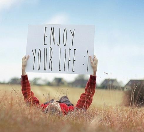 Thời điểm để có niềm vui chính là bây giờ.