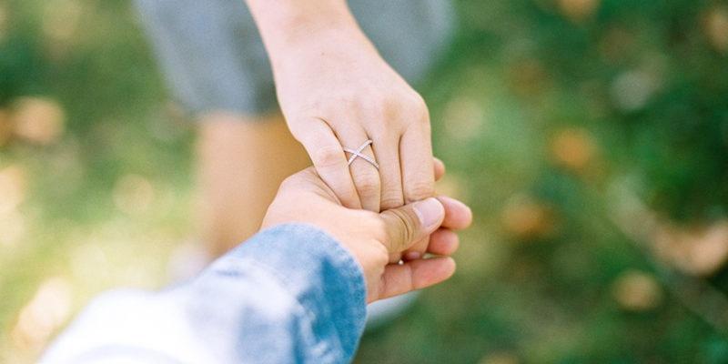 Chia tay khi vẫn còn quá yêu – bởi đôi lúc có thứ hạnh phúc gọi là 'Từ Bỏ'