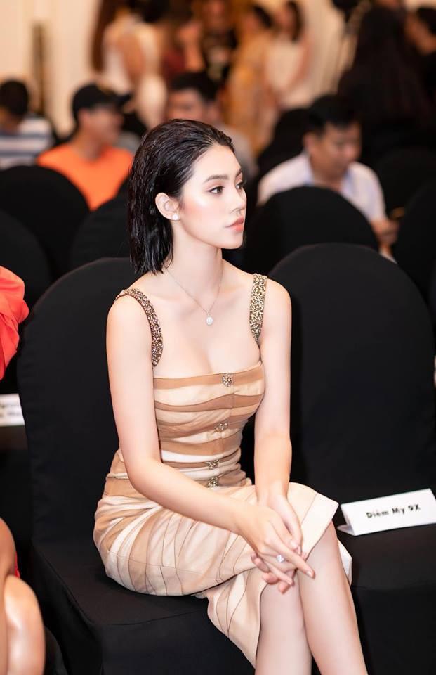 Dám làm việc mà cả trăm Hoa hậu đều ngại ngần, Mỹ Linh và Jolie Nguyễn đều thăng hạng phong cách vù vù! - Ảnh 12.