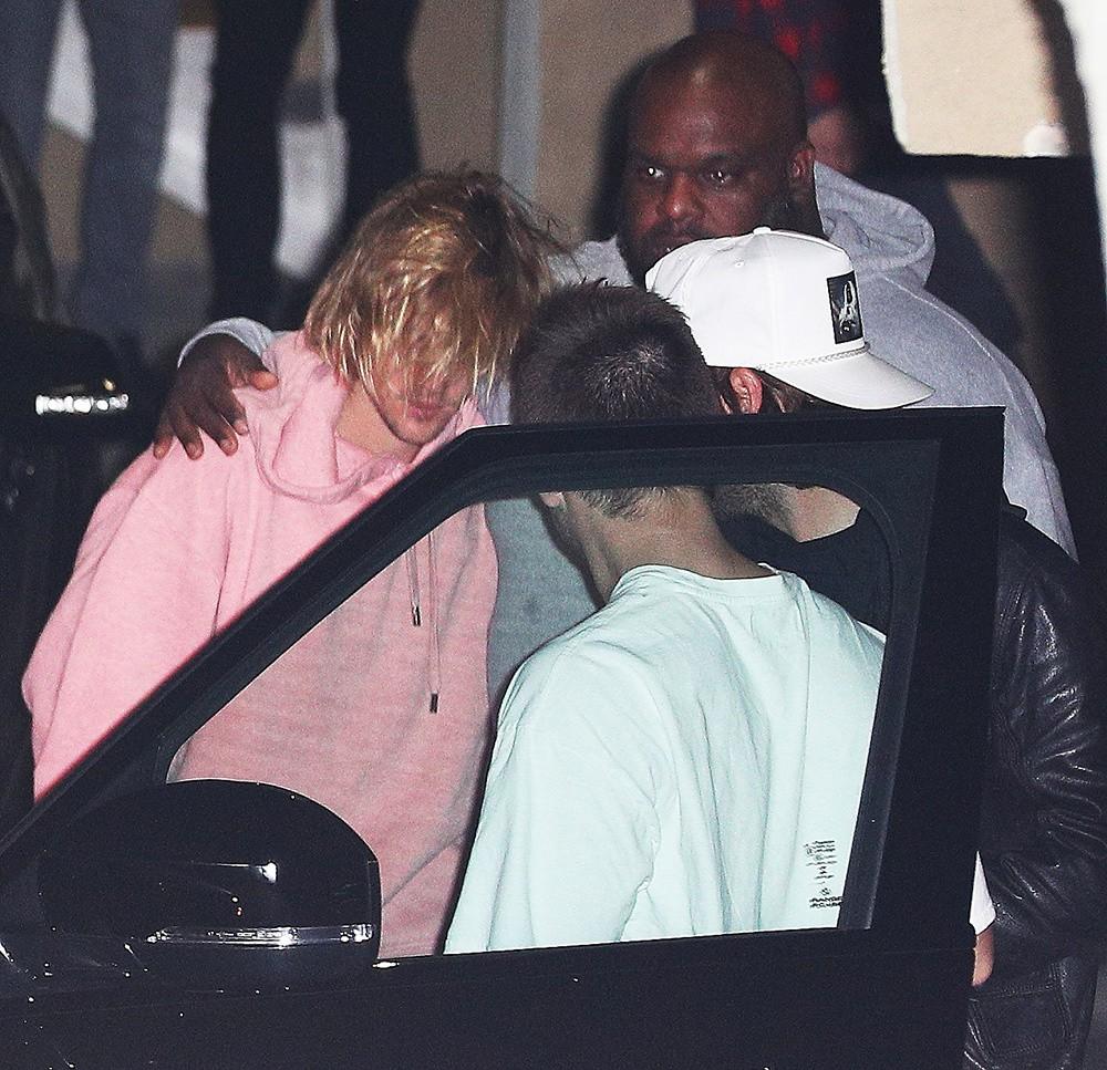 Justin Bieber bật khóc cạnh Hailey Baldwin vì tin Selena Gomez nhập viện điều trị tâm thần? - Ảnh 4.
