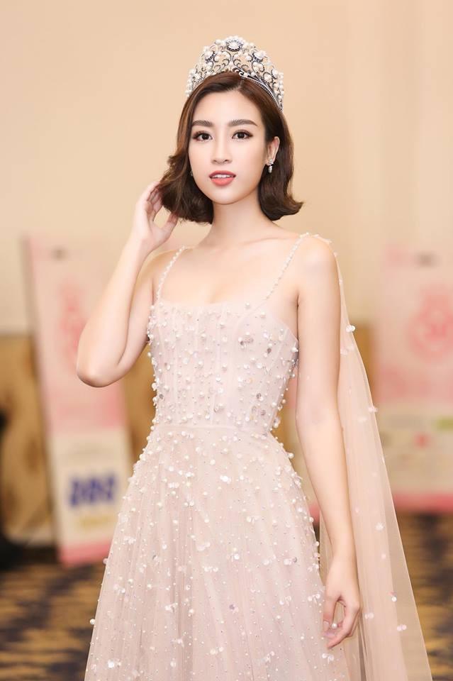 Dám làm việc mà cả trăm Hoa hậu đều ngại ngần, Mỹ Linh và Jolie Nguyễn đều thăng hạng phong cách vù vù! - Ảnh 2.