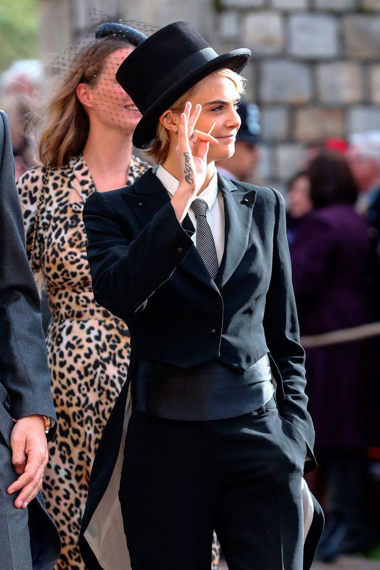 Đám cưới Công chúa Eugenie: Cara Delevingne chơi trội diện đồ nam, làm lu mờ cả Công nương Kate và Meghan - Ảnh 2.