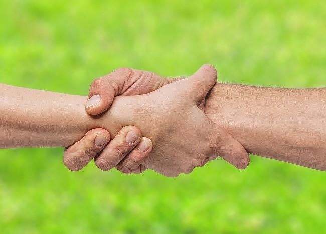 Bạn thường nắm tay người thương như thế nào? Nó tiết lộ khá nhiều điều đấy - Ảnh 7.