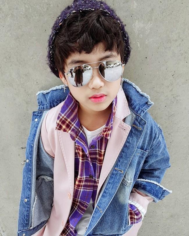 Cứ đến Seoul Fashion Week, dân tình chỉ ngóng trông street style vừa chất vừa yêu của những fashionista nhí này - Ảnh 9.