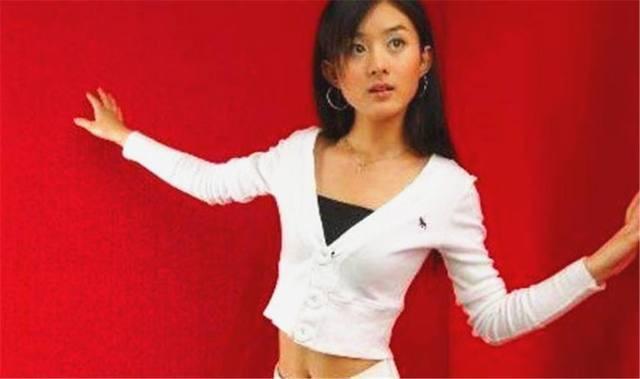 Triệu Lệ Dĩnh: Không gia thế, tiếng Anh kém, EQ thấp nhưng lại vượt mặt loạt chân dài trở thành bà Phùng danh giá - Ảnh 5.