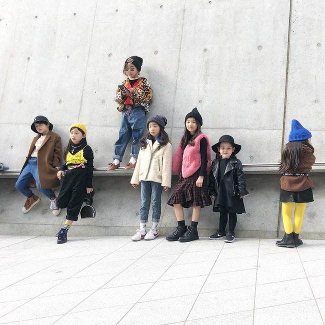 Cứ đến Seoul Fashion Week, dân tình chỉ ngóng trông street style vừa chất vừa yêu của những fashionista nhí này - Ảnh 8.