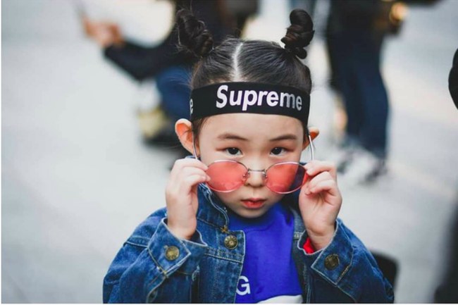Cứ đến Seoul Fashion Week, dân tình chỉ ngóng trông street style vừa chất vừa yêu của những fashionista nhí này - Ảnh 21.
