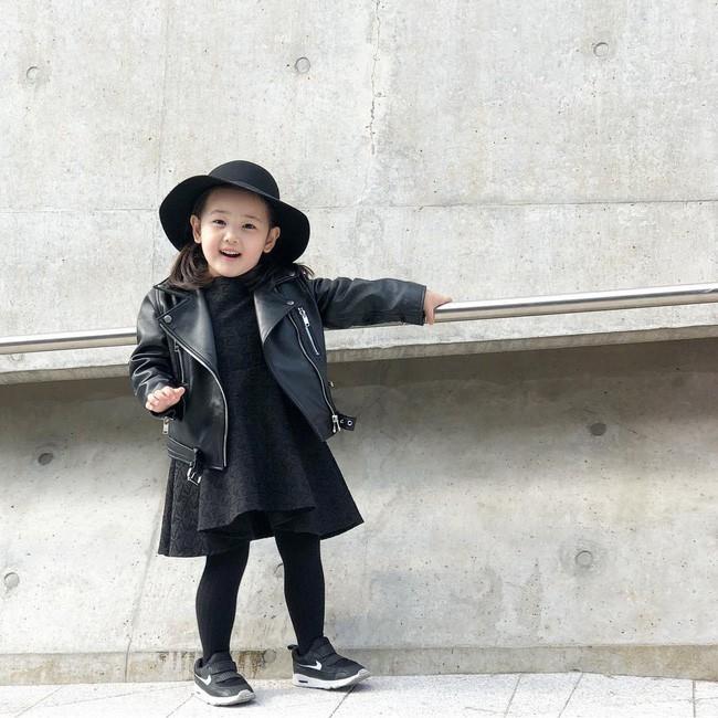 Cứ đến Seoul Fashion Week, dân tình chỉ ngóng trông street style vừa chất vừa yêu của những fashionista nhí này - Ảnh 7.