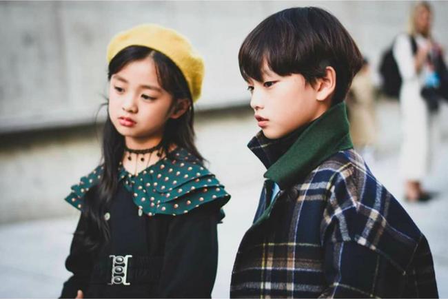 Cứ đến Seoul Fashion Week, dân tình chỉ ngóng trông street style vừa chất vừa yêu của những fashionista nhí này - Ảnh 11.
