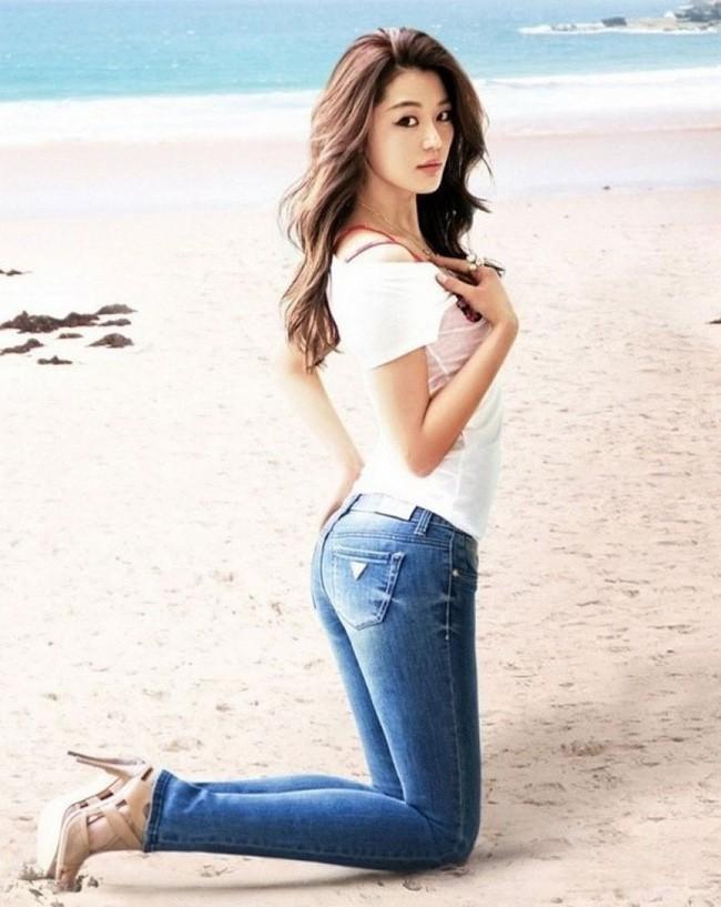 Là gái 2 con mà mợ chảnh Jeon Ji Hyun vẫn đẹp nuột nà khiến chị em tròn xoe mắt nhờ bí quyết giữ dáng này - Ảnh 4.