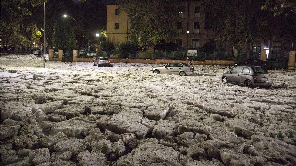 Bạn sẽ không thể tin nổi đây là thành phố Rome chỉ sau một cơn mưa đá và lũ quét - Ảnh 5.