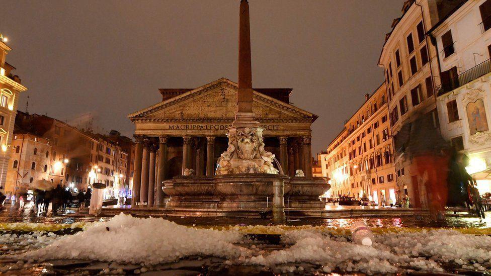 Bạn sẽ không thể tin nổi đây là thành phố Rome chỉ sau một cơn mưa đá và lũ quét - Ảnh 7.