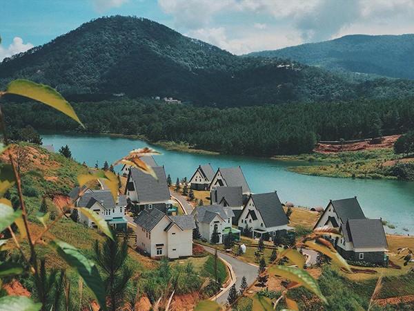 Đà Lạt vừa có ngôi làng thu nhỏ châu Âu mới cực hợp để ghé thăm mùa đông này! - Ảnh 2.
