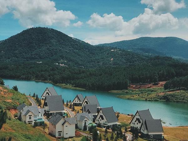 Đà Lạt vừa có ngôi làng thu nhỏ châu Âu mới cực hợp để ghé thăm mùa đông này! - Ảnh 3.
