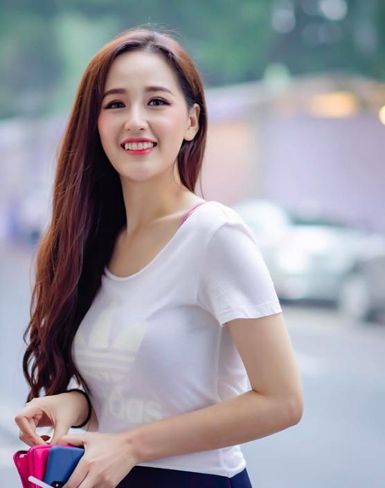 """Không chỉ Mai Phương Thúy gây chú ý với vòng một 95 cm, showbiz Việt còn nhiều số đo cực """"khủng"""" khác - Ảnh 23."""