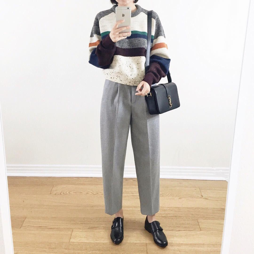 Nếu hỏi item nào trẻ trung và dễ mặc nhất trong mùa lạnh thì câu trả lời chính là áo len kẻ - Ảnh 2.