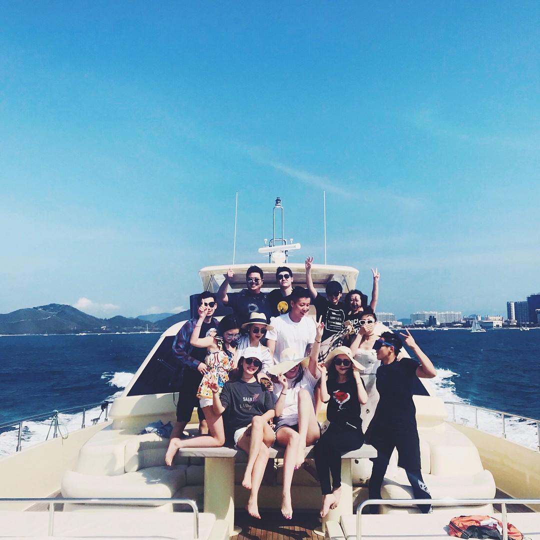 Hội bạn thân đình đám Trung Quốc: Toàn tiểu thư trâm anh thế phiệt, xinh đẹp và giàu có - Ảnh 28.