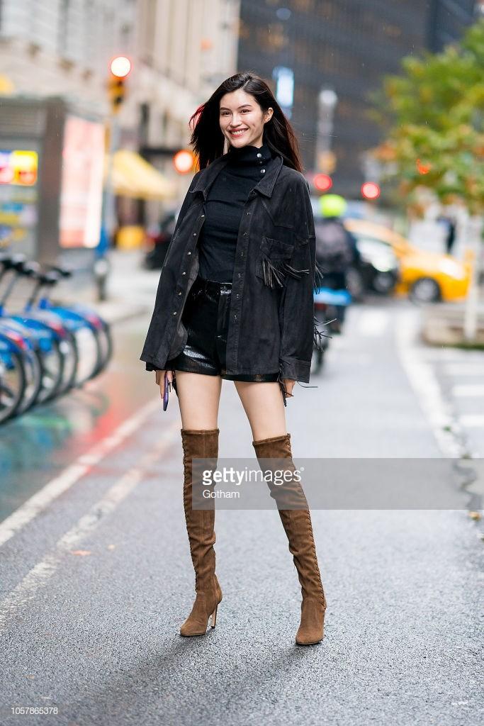Chỉ mới đi thử đồ, dàn mẫu Victorias Secret đã thành tâm điểm trên phố vì mặc đẹp hết sức - Ảnh 8.
