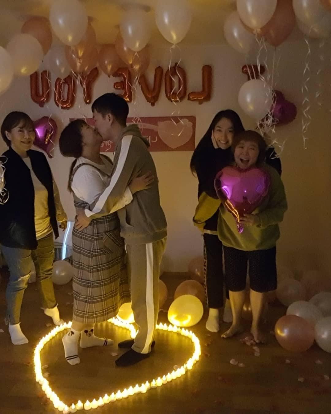 Màn cầu hôn khó tin của danh hài Hàn giảm 30kg và bạn trai: Bí mật bố trí, ai ngờ ngỏ lời cùng ngày, mặc giống nhau - Ảnh 6.