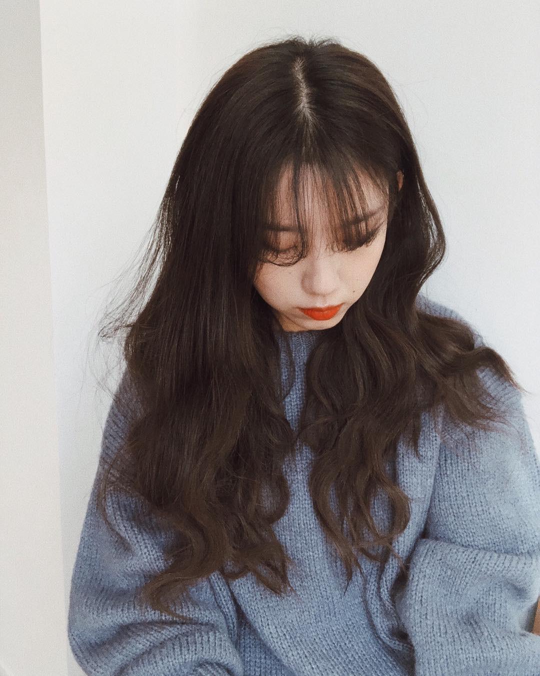 Muốn xinh như công chúa hay khí chất như fashionista, bạn hãy để 4 kiểu tóc này khi diện áo len - Ảnh 6.