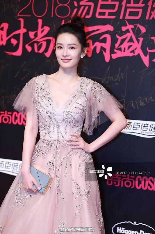 Chùm ảnh không photoshop: Dương Mịch lộ nếp nhăn, Park Min Young - Tần Lam có đẹp như tưởng tượng? - Ảnh 10.