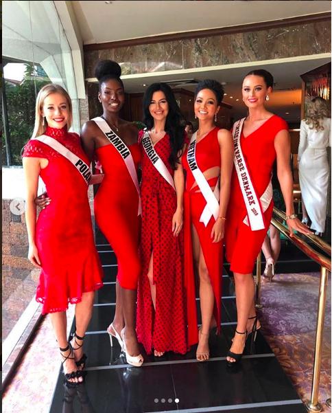 Đứng cạnh nữ thần người Philippines - ứng viên số 1 cho vương miện Miss Universe 2018, HHen Niê vẫn hút mọi ánh nhìn - Ảnh 8.
