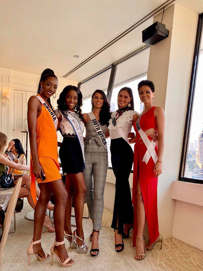 Đứng cạnh nữ thần người Philippines - ứng viên số 1 cho vương miện Miss Universe 2018, HHen Niê vẫn hút mọi ánh nhìn - Ảnh 6.