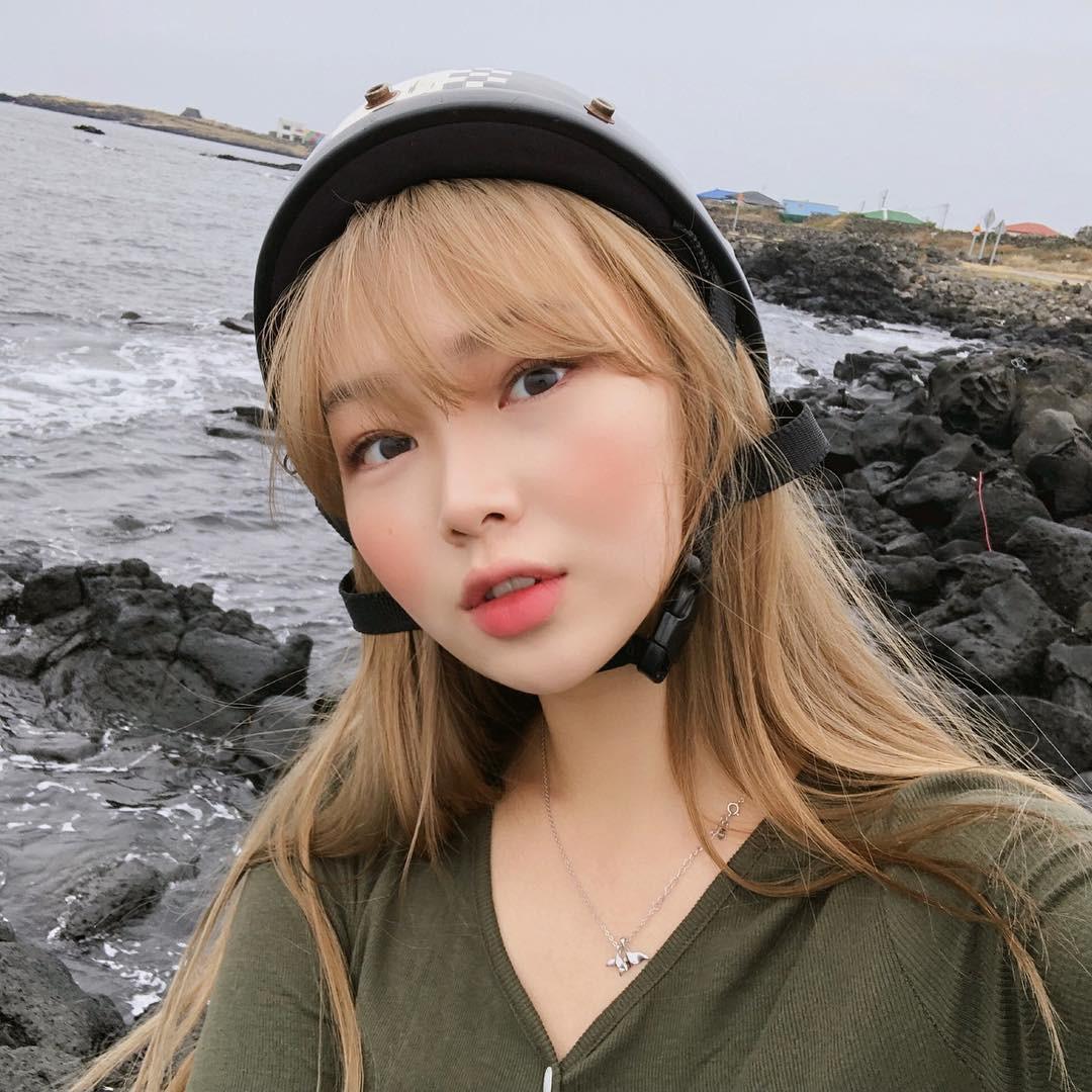 Má hồng nước trái cây: kiểu makeup Hàn Quốc biến khuôn mặt mệt mỏi trở nên xinh xẻo nhìn chỉ muốn cắn bạn nên biết ngay lúc này - Ảnh 5.