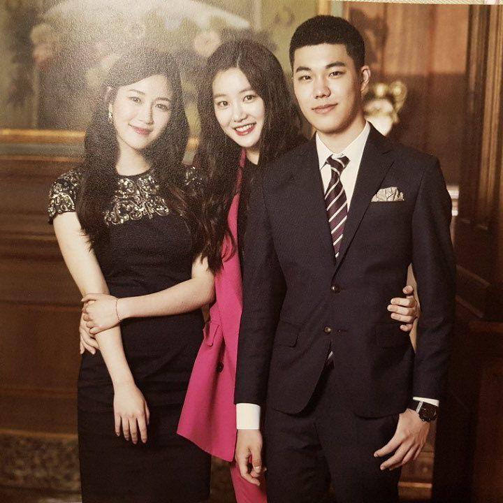 Mama Chuê Nàng Dae Jang Geum khoe 3 người con đẹp như hoa: 2 con gái đều là diễn viên, quý tử lần đầu lộ diện - Ảnh 2.