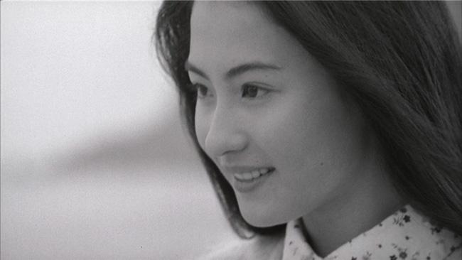 Giữa tin đồn sinh con trai của tỷ phú Singapore, loạt ảnh Trương Bá Chi mặt mộc tuổi 21 bất ngờ gây bão - Ảnh 3.