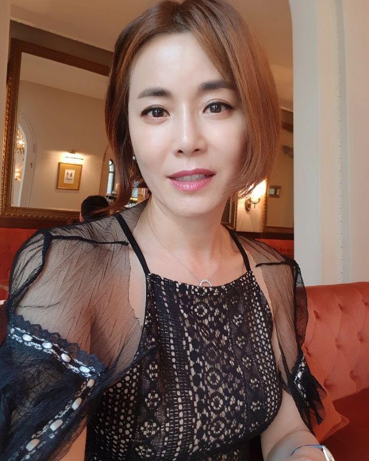 Mama Chuê Nàng Dae Jang Geum khoe 3 người con đẹp như hoa: 2 con gái đều là diễn viên, quý tử lần đầu lộ diện - Ảnh 8.
