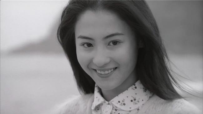 Giữa tin đồn sinh con trai của tỷ phú Singapore, loạt ảnh Trương Bá Chi mặt mộc tuổi 21 bất ngờ gây bão - Ảnh 4.
