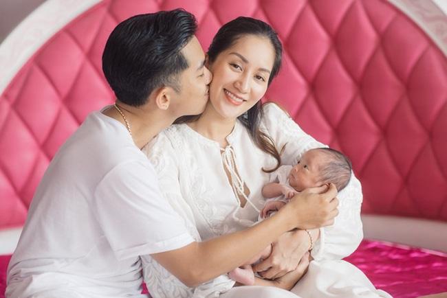 Khánh Thi: Có 2 con rồi, tôi chẳng còn quan tâm đến chuyện làm đám cưới với Phan Hiển  - Ảnh 4.