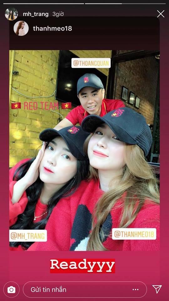 Vợ HLV Park Hang-seo, người yêu cầu thủ Duy Mạnh, Văn Đức nổi bật trên khán đài trận bán kết kịch tính - Ảnh 7.