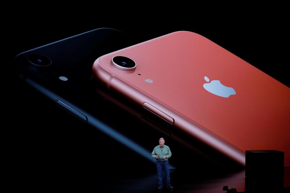 iPhone XR của Apple xuất hiện với màu sắc Living Coral chủ đạo năm 2019