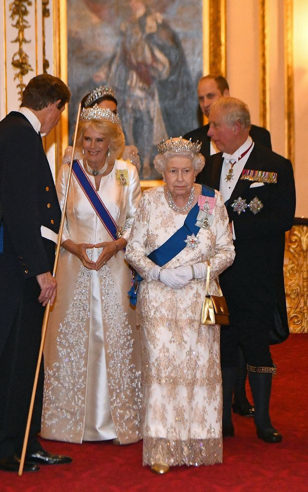 Trong khi em dâu Meghan ủ rũ, kém sắc, Công nương Kate lại tỏa sáng, xinh đẹp hết phần người khác như thế này đây - Ảnh 7.
