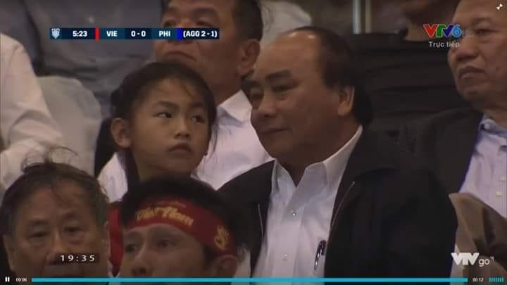 Sự xuất hiện của Thủ tướng Nguyễn Xuân Phúc trên khán đài cũng được chú ý