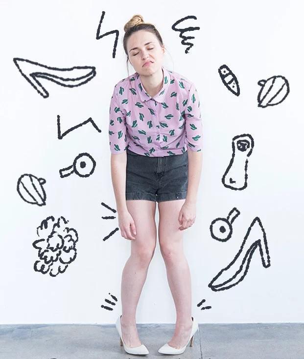 Để giảm đau chân khi đi giày cao gót, cô nàng này đã tìm ra tuyệt kỹ rẻ và hữu hiệu nhất nhờ thứ này - Ảnh 1.