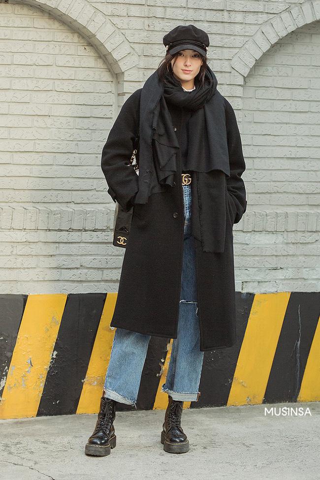 Street style giới trẻ Hàn mang đến kho bí kíp mặc nhồi mà vẫn trendy hết nấc ngày mưa rét, nhất là loạt công thức với áo phao - Ảnh 10.