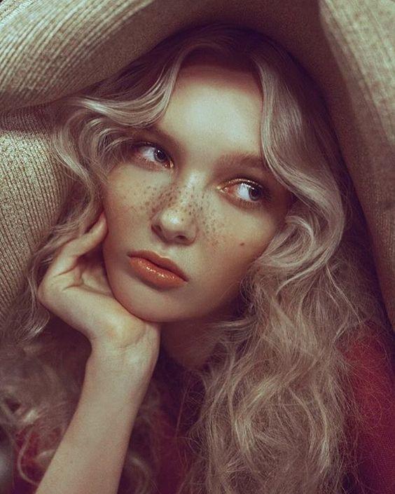 Finally out on Mia Le Journal: IRIS ; model: @adelemckeen @ IMG, Mua: @camillelutzmakeup , styling: @andreaetlou , hair: mayu morimoto , location: margherita- Paris