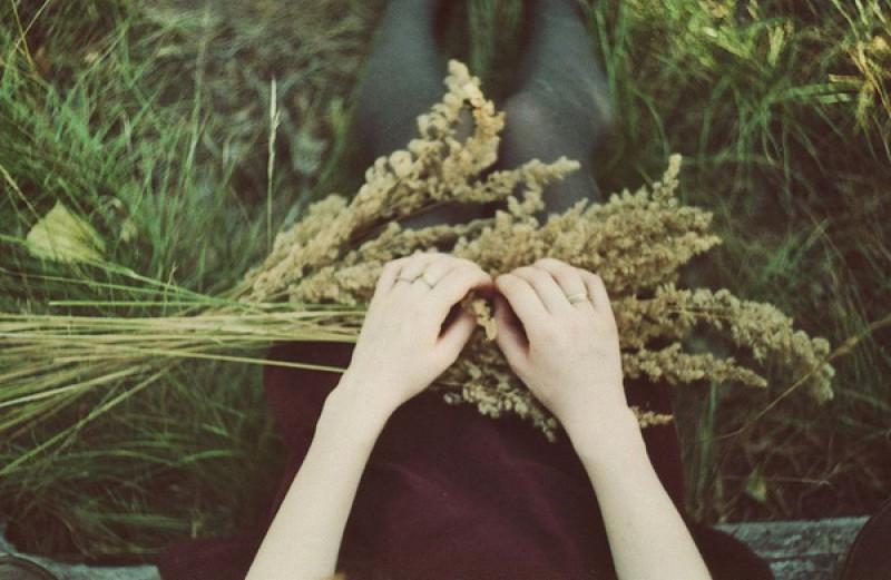 Dù biết tình đã tới lúc phải quên, vậy sao vẫn tiếc những giản đơn từng có