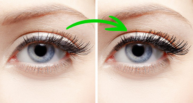 6. Đánh mascara rồi thoa một ít phấn trẻ em lên mi mắt ngay khi mascara vẫn còn ướt. Thoa lớp mascara thứ hai ngay lên trên, lông mi bạn nhìn dày và đậm hơn nhiều.