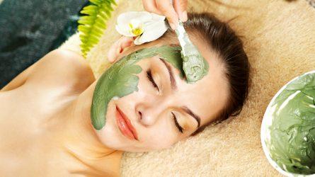 5 công thức làm mặt nạ dưỡng da tốt nhất từ trà xanh Nhật Bản