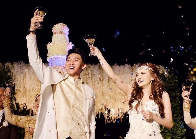Chuyện tình đẹp như mơ của nam ca sĩ Indonesia và người vợ xinh đẹp bị mất tích khiến dư luận tiếc thương - Ảnh 4.