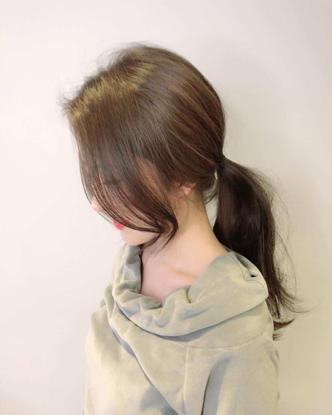 Tóc đuôi ngựa + mái xoăn nhẹ: Công thức kiêu kỳ hết nấc cho hội tóc dài làm điệu mùa tiệc tùng cuối năm 3