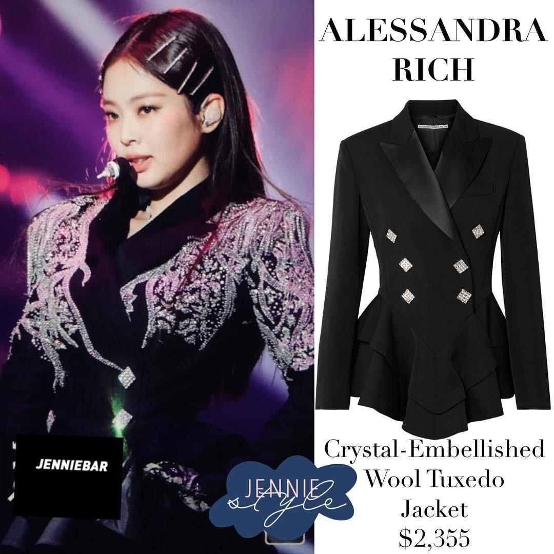 Làm stylist cho Black Pink khó lắm: khéo chọn đồ bình đẳng cho nhóm, nhưng shock nhất là màn cắt váy của thành viên này - Ảnh 2.