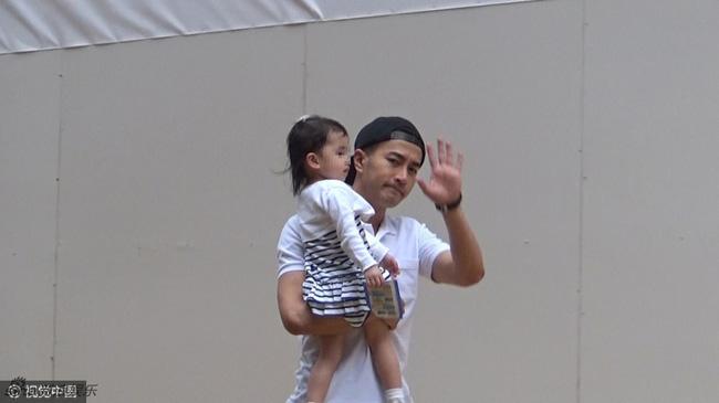 Suốt 3 năm qua, Dương Mịch chỉ về thăm con gái đúng 37 ngày? - Ảnh 3.