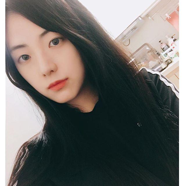 Sốc với bộ gen toàn visual nhà Jisoo (Black Pink): chị gái đẹp như Han Hyo Joo, anh trai giống Nam Joo Hyuk - Ảnh 2.